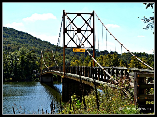 fall vacation eureka bridge